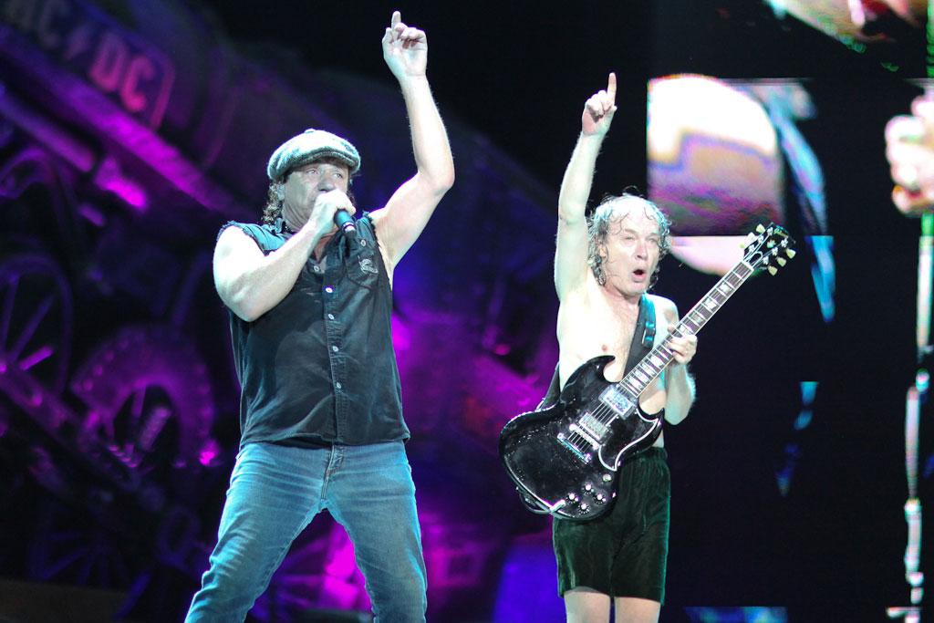 AC/DC Live At Giant Stadium