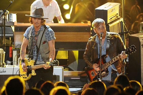 Johnny Depp & The Black Keys on MTV Movie Awards